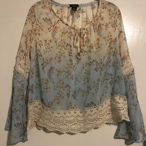 Blue and creme ombre lace cuff top